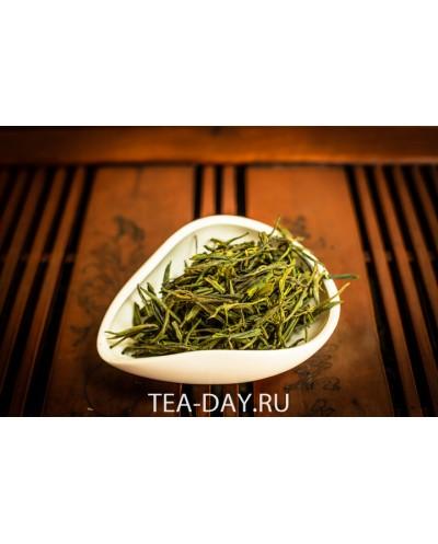 """Зеленый чай  """"Жёлтые Почки"""" цена за 100гр."""